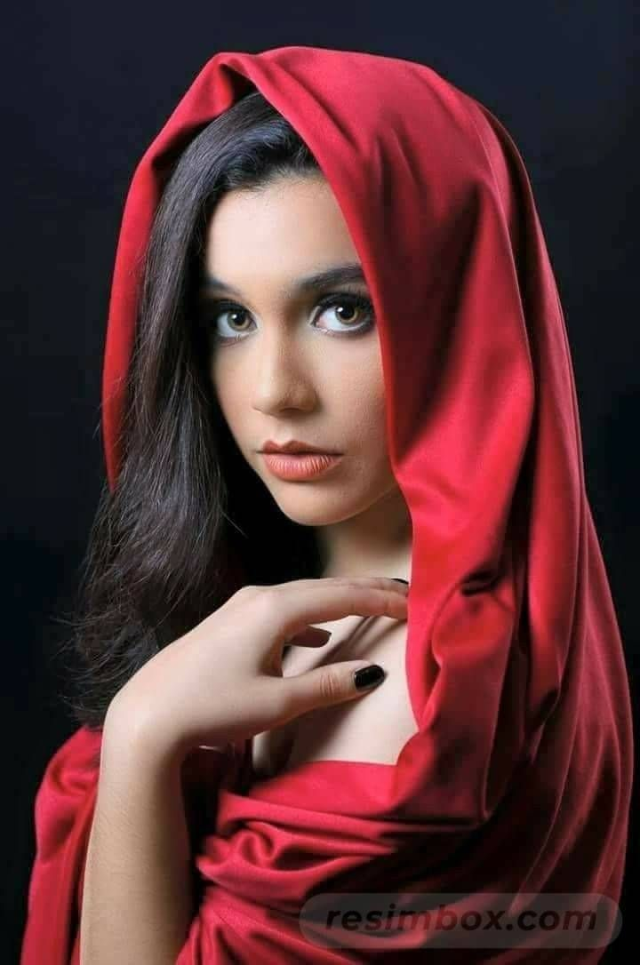resimbox-beautiful-girl-648518415068880513