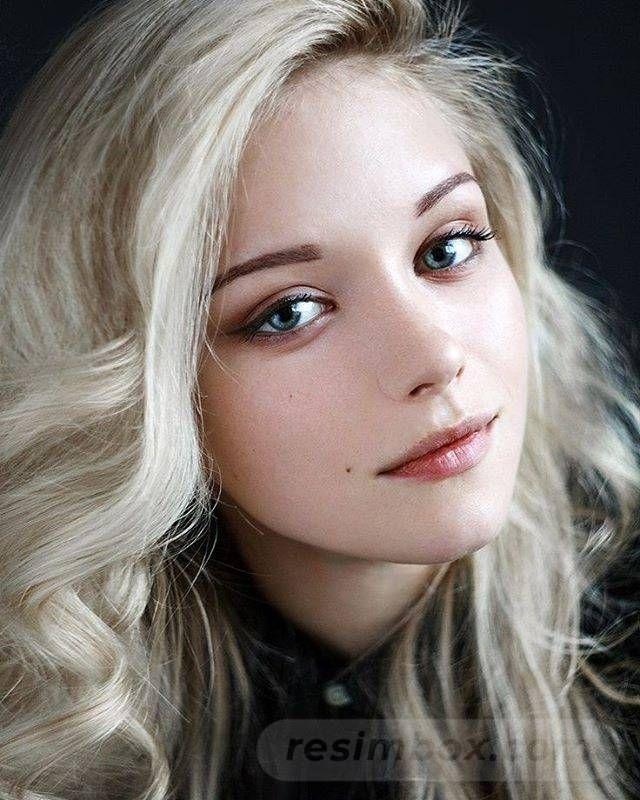 resimbox-beautiful-girl-648518415069420489