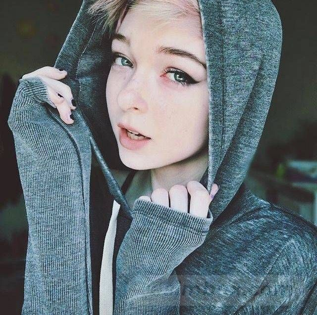 resimbox-beautiful-girl-648518415069133392
